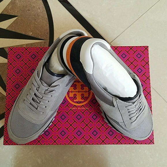 New In Box Tory Burch Sawtooth Logo Sneaker